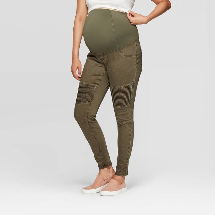 how to dress for maternity