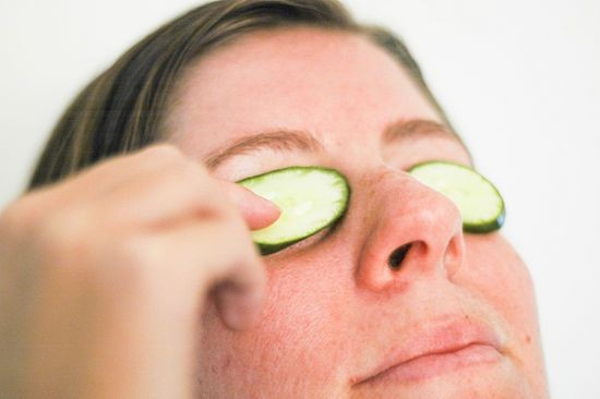 how to get rid of dark circles home remedies